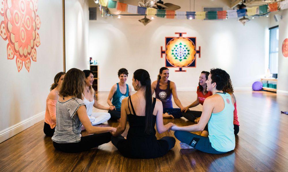Meet Erika Faith Of Cloud Nine Yoga In Los Angeles Voyage La Magazine La City Guide